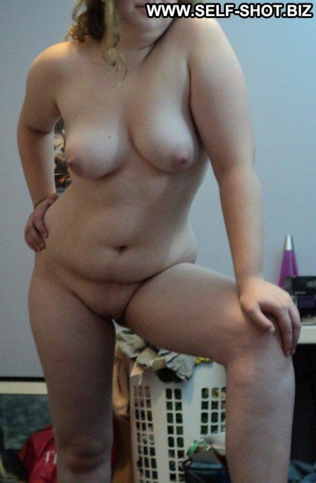 Han Showing Pussy Softcore Nude Girlfriend Self Shot Amateur