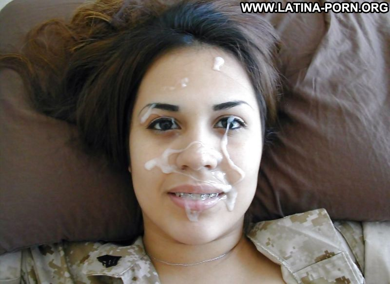 Amateur latina facial