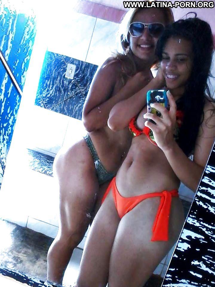 Horny latina in bikini